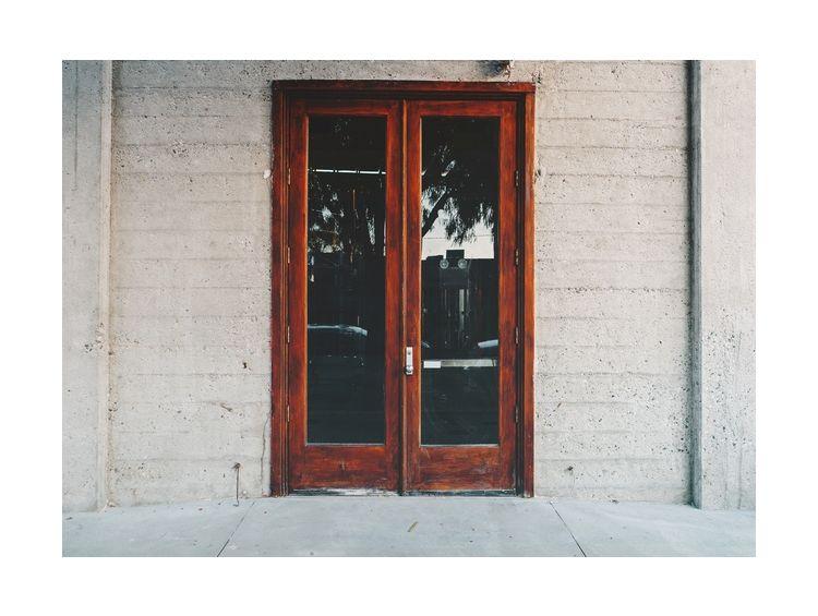Открытка - Закрытая дверь №938